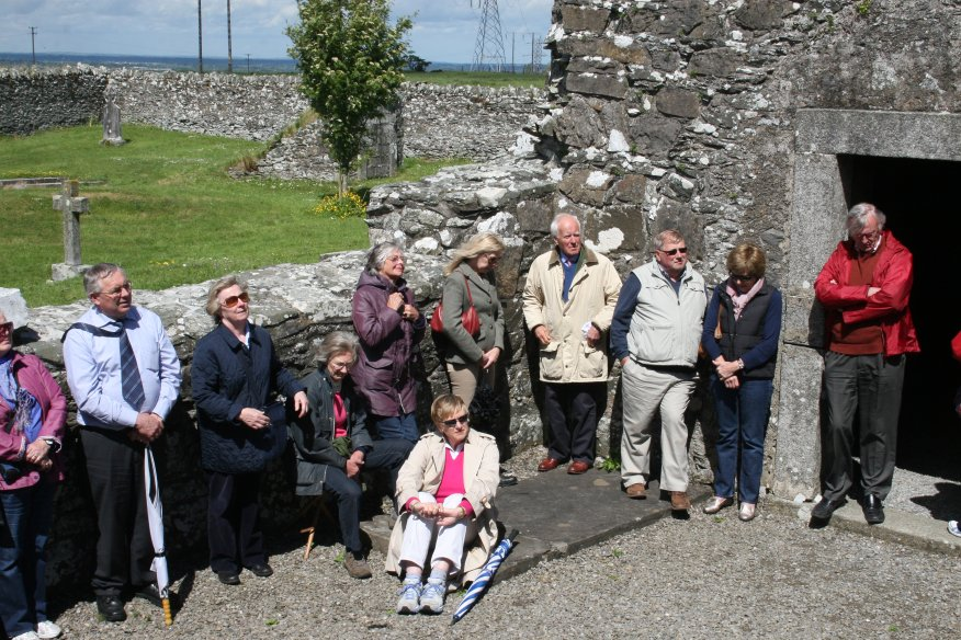 CKAS Visit to Oughterard Round Tower and Cemetery #2